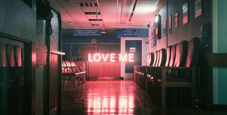 The-1975-Love-Me-e1445401434314